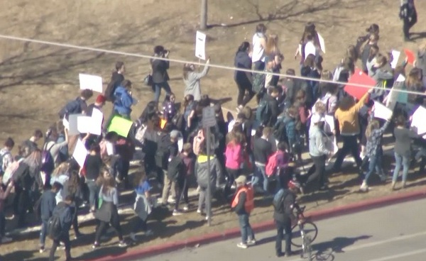 Student walkout protest_658835