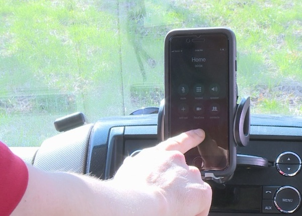 Hands-free phone driving