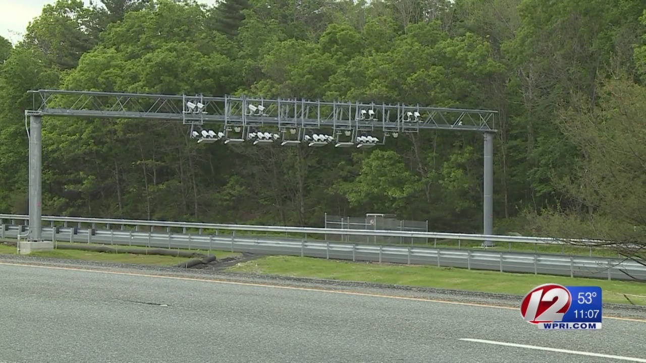 Trucking industry files suit over Rhode Island truck tolls