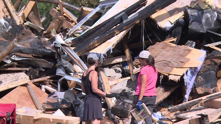 2richmond school fire rubble search2_1533071895758.jpg.jpg