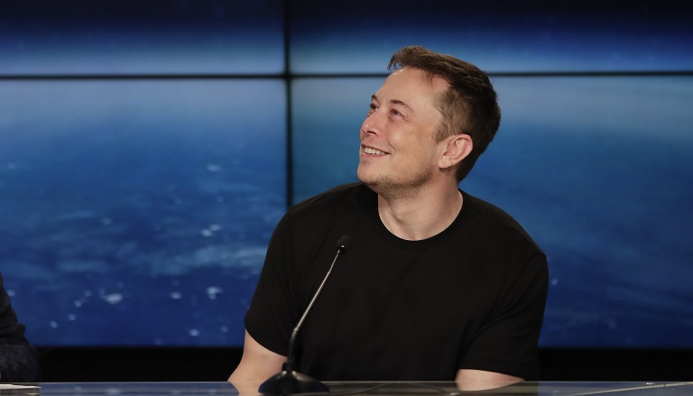 SpaceX Moon_1537230877780