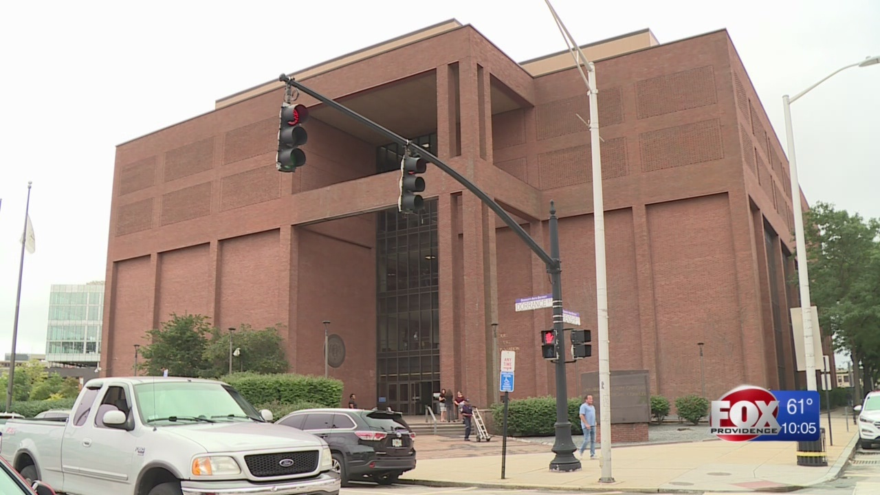 Bed bug sniffing dog to inspect Garrahy courthouse on Saturday