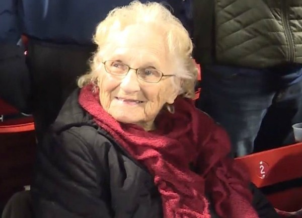 102-year-old Red Sox fan discharged from hospital, attends her 4th World Series game