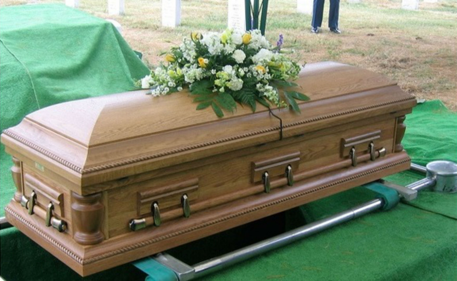 coffin_1537787041901-873772057.jpg