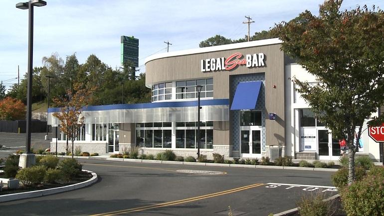 cranston-legal-sea-bar-garden-city-center_1539715384369.JPG
