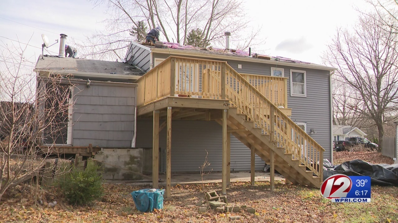 Veteran's roof replaced as recompense for her service