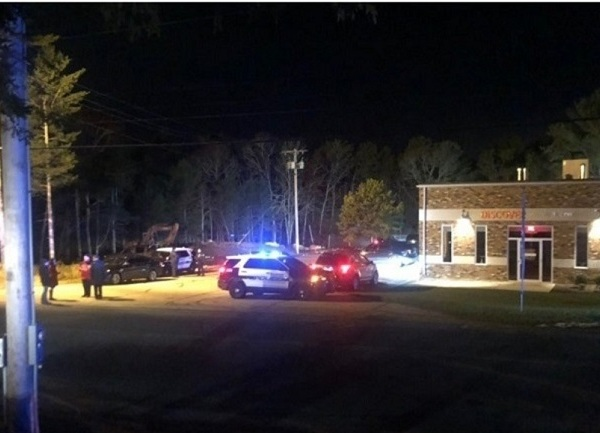 2 dead after being struck by scenic train in Wareham