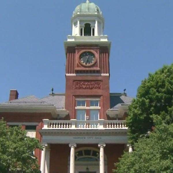 Warwick School Committee sues city; Demands more money for budget