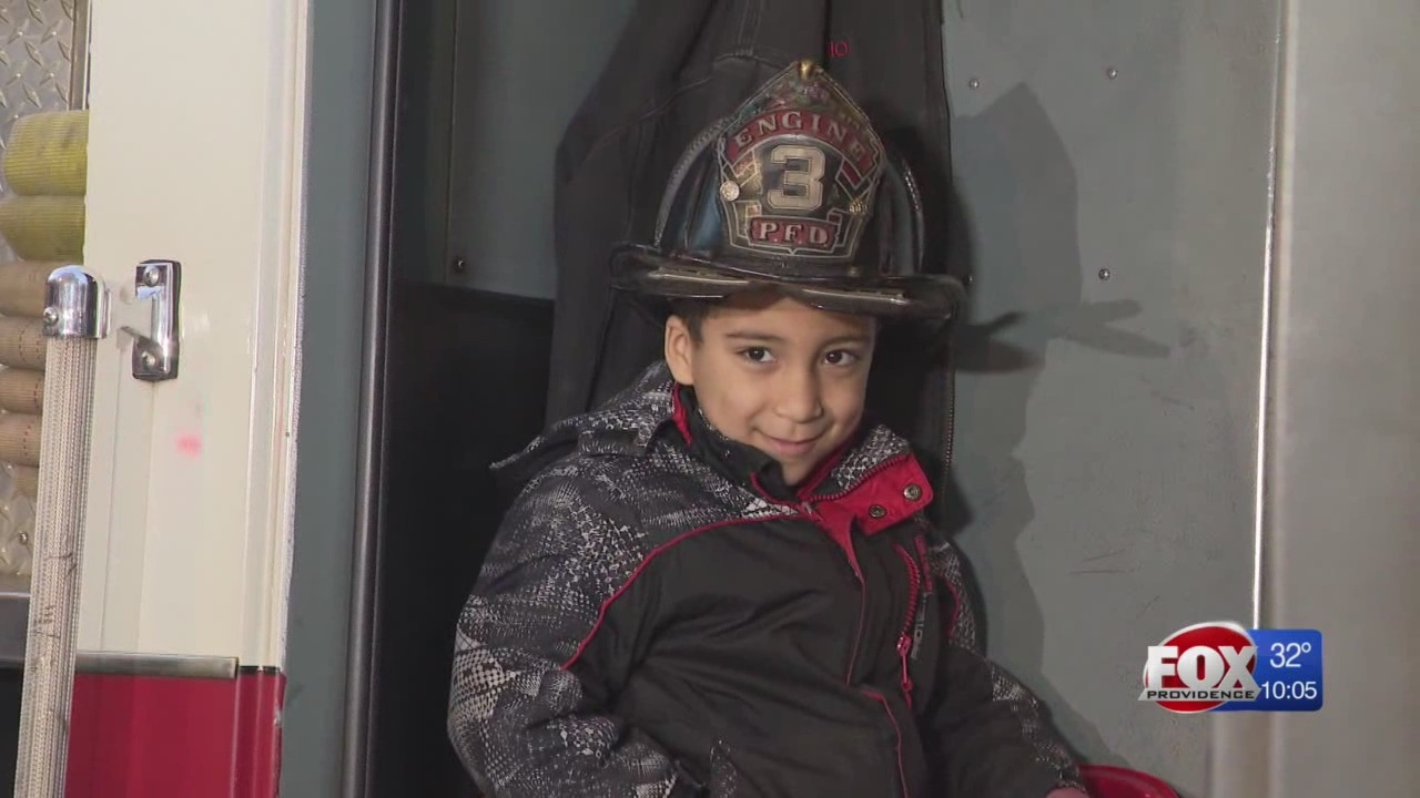 Officials praise 7-year-old 'hero' who alerted hospital staff to fire