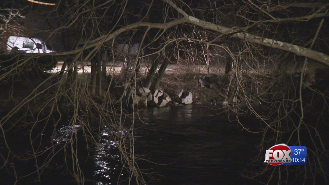 Restaurant employee rescues man who drove car into Pawcatuck River