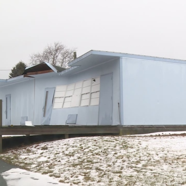 Roof of Middletown Building Gives Way