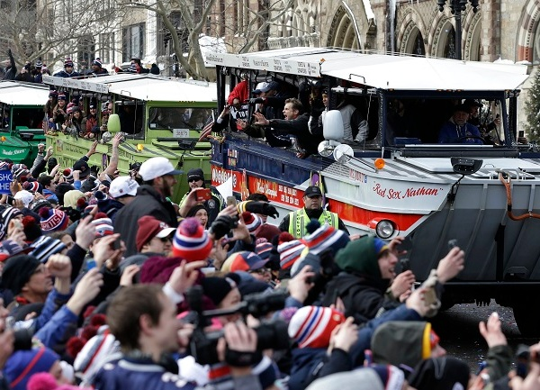 Patriots Parade Football_1549253867626