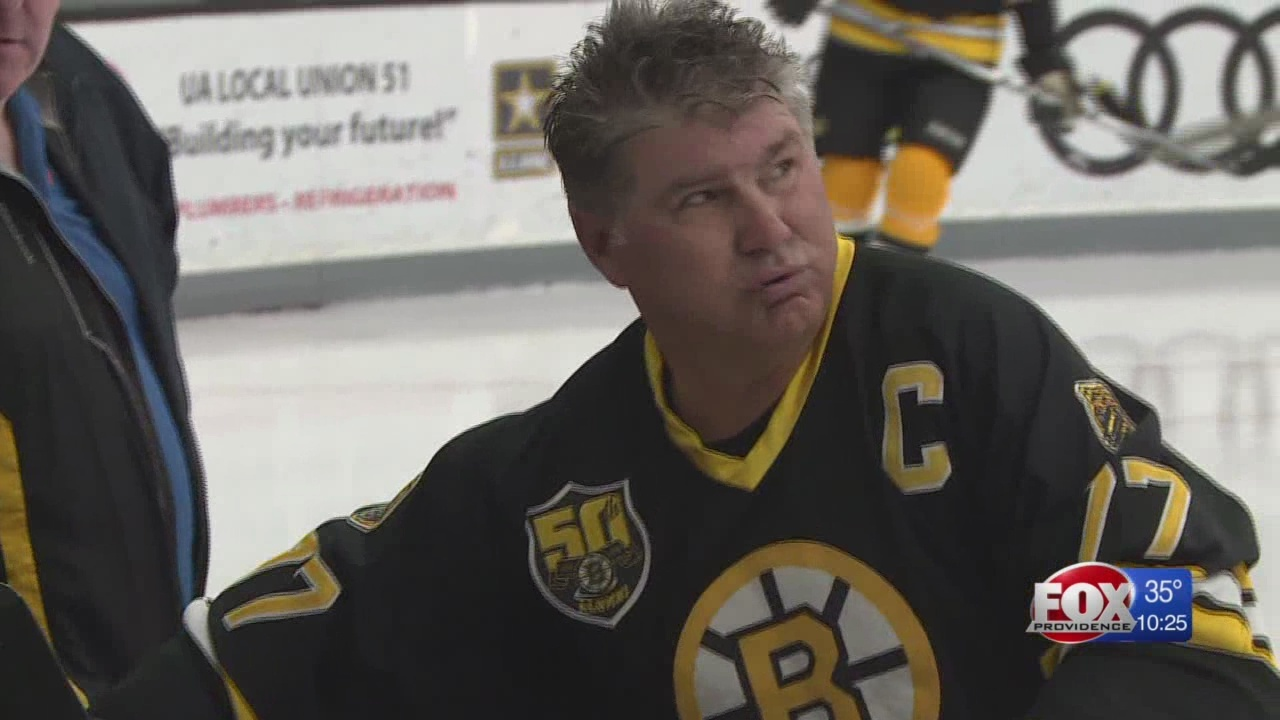 Bruins_legends_and_former_Patriots_play__9_20190324025106
