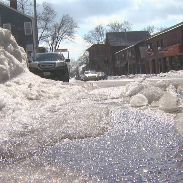 Snow still creating traffic issues in Providence