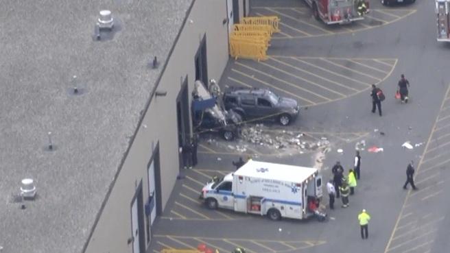 Billerica auto auction crash_472131