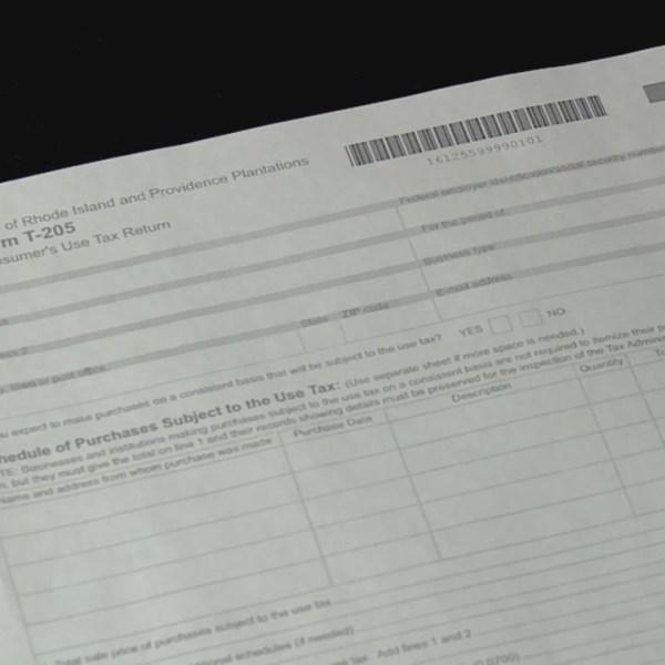 Average RI tax refund up slightly this year