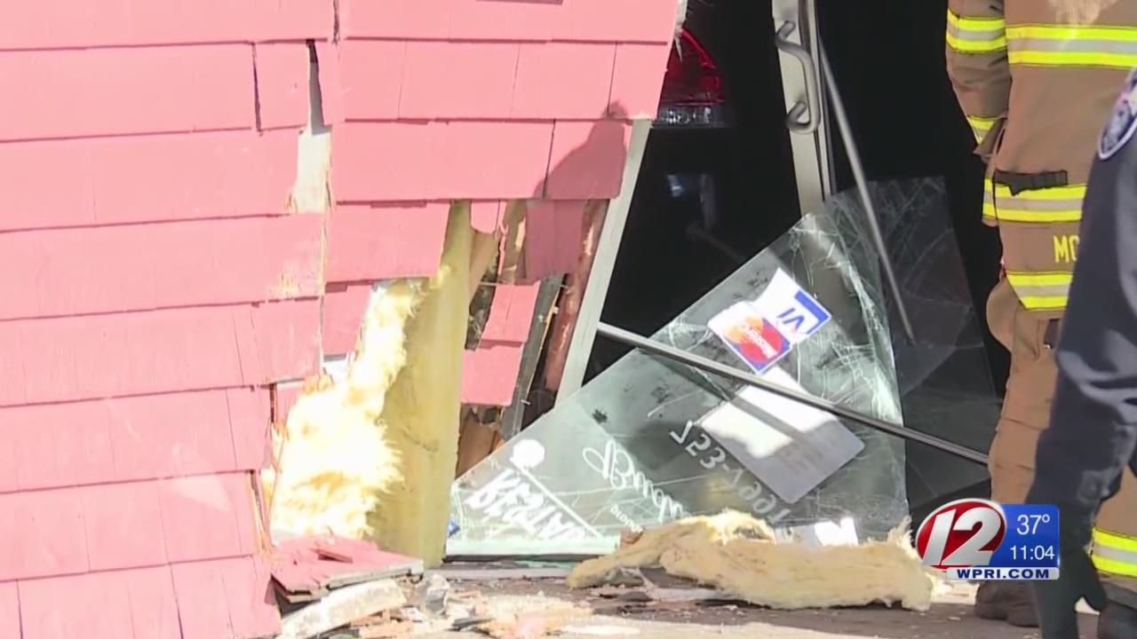 Car smashes into Pawtucket restaurant