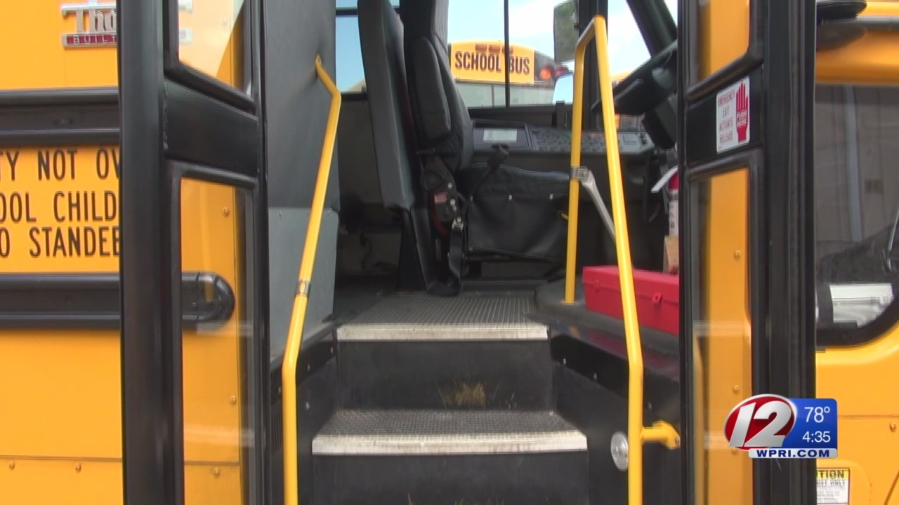 Providence_school_bus_drivers_mull_strik_0_20180829084311