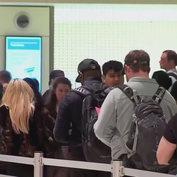Several airlines report computer issues, delays at airports