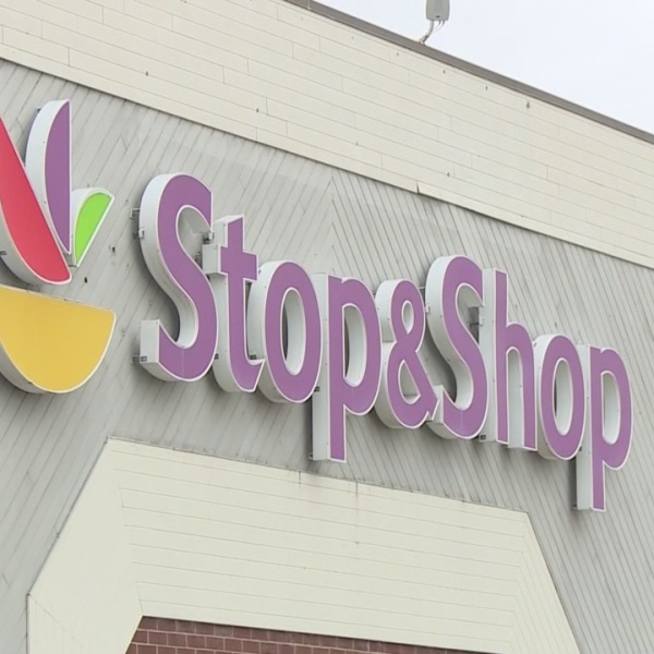 Stop & Shop donating unsold goods to local food pantries