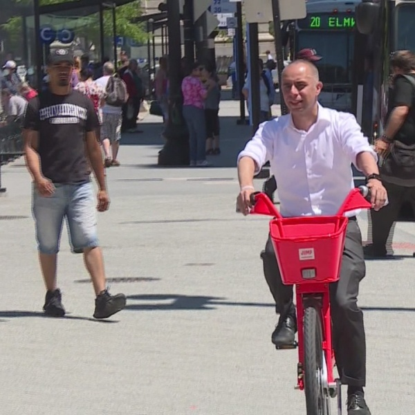 With JUMP Bike program expanding, Elorza promotes road safety