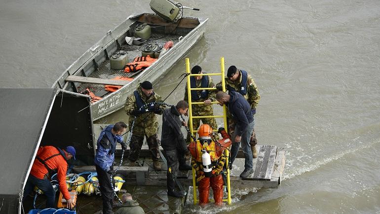 Hungary Capsized Boat_1559308906387