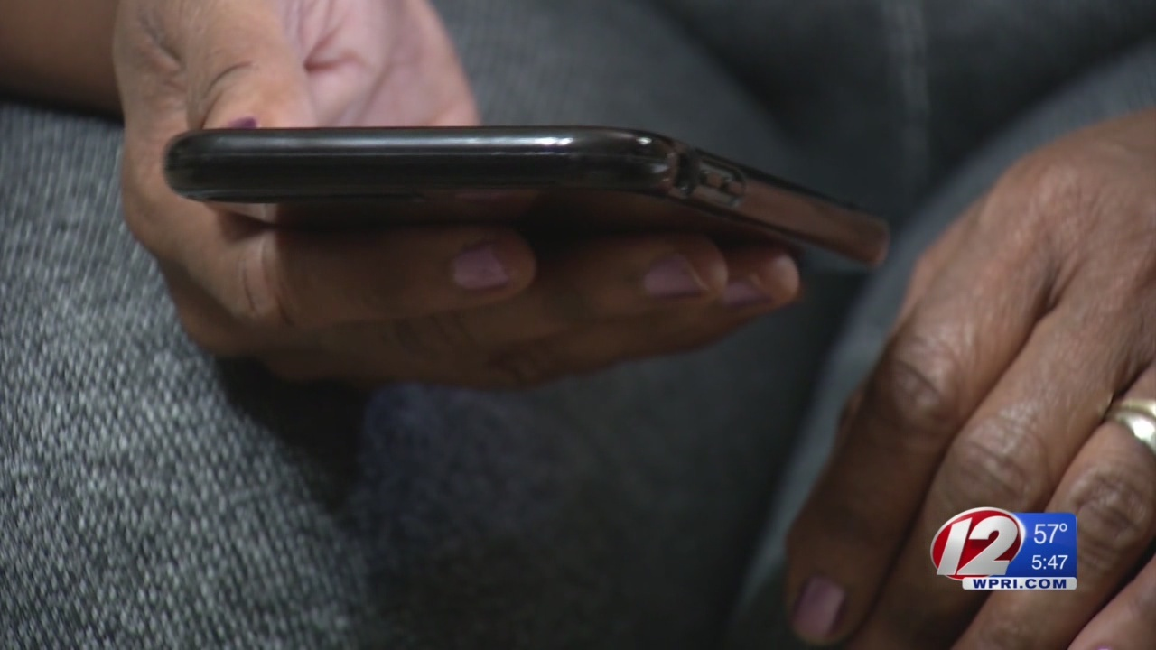 FCC warns of 'one ring' phone scam