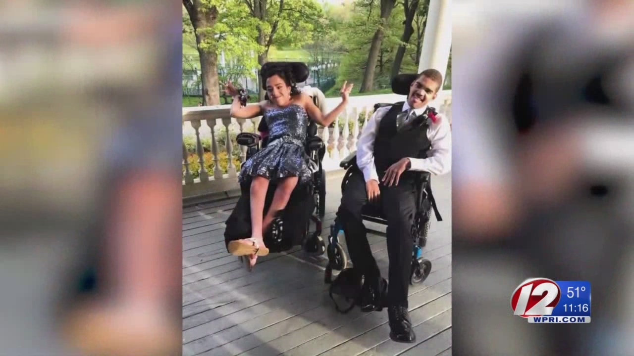 Meeting Street prom a night to remember, especially for one couple