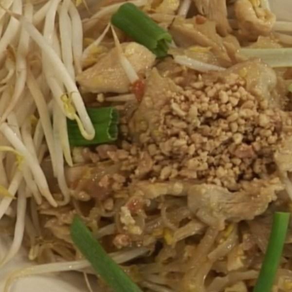chicken pad thai 2_1558538922337.jpg.jpg