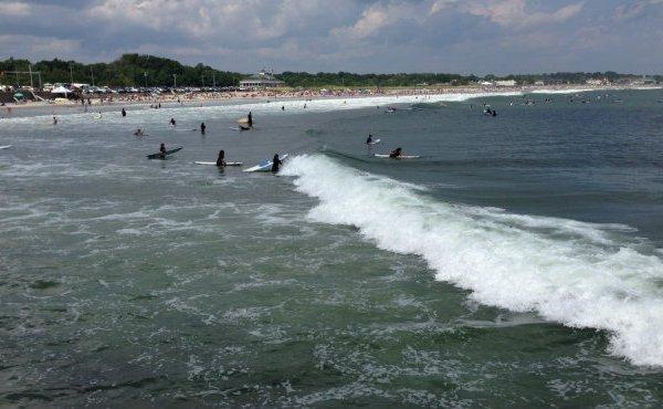 Narragansett beach waves_70130