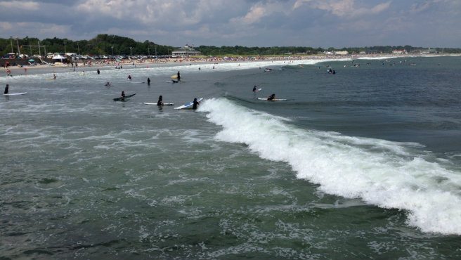 Narragansett beach waves_70130