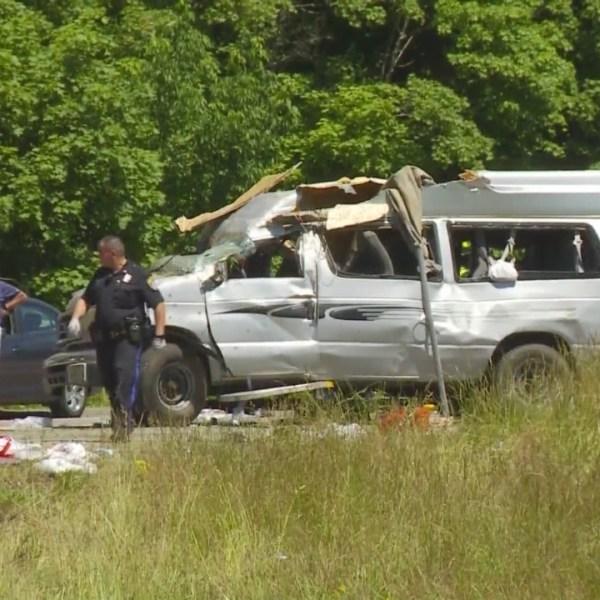 2 dead after rollover crash on I-95 in Attleboro