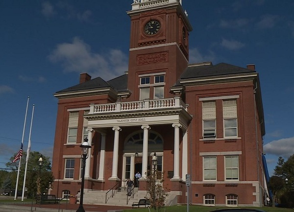 warwick-city-hall-exterior_1540922747776.JPG