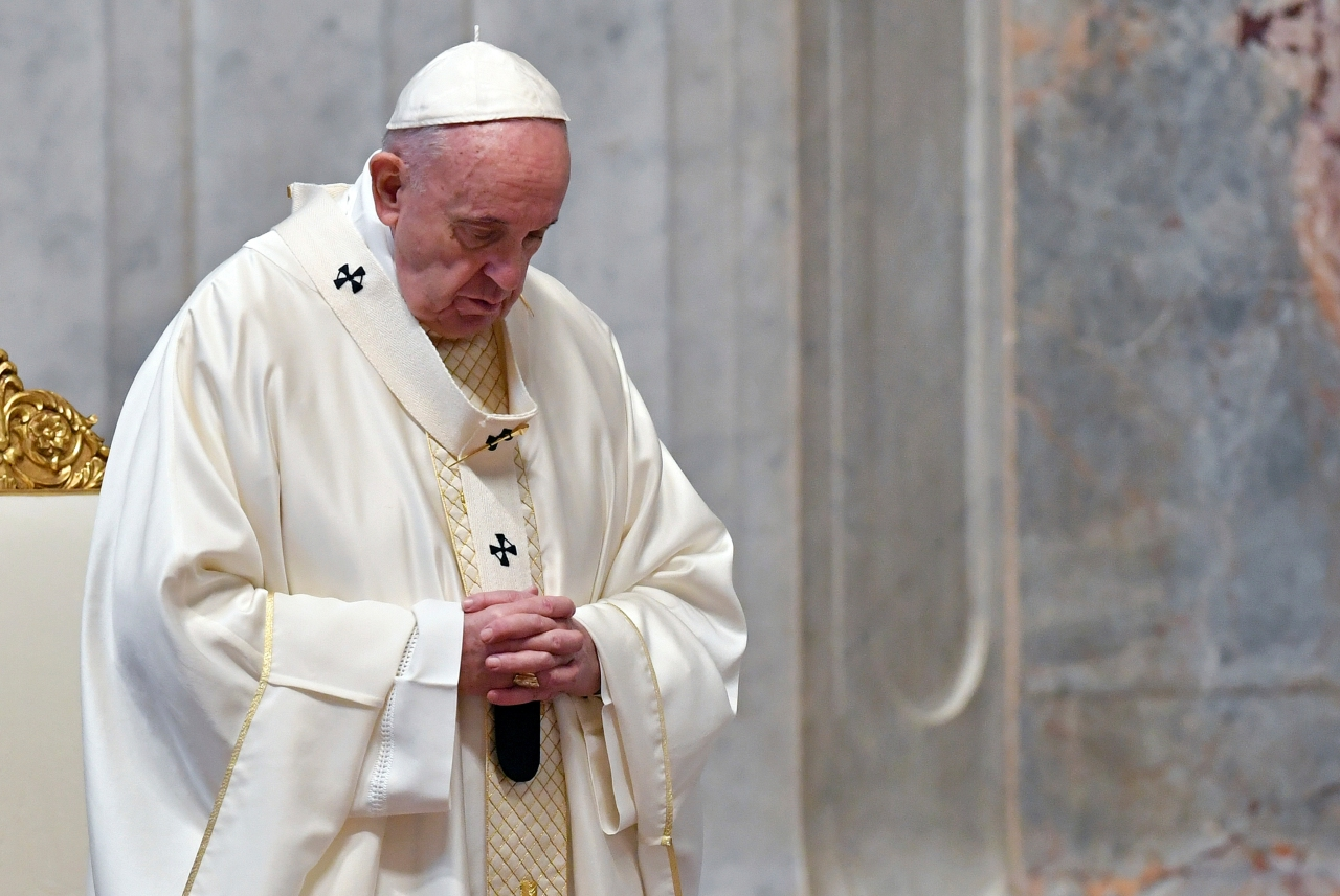 Amid pandemic, pope goes to Iraq to rally fading Christians