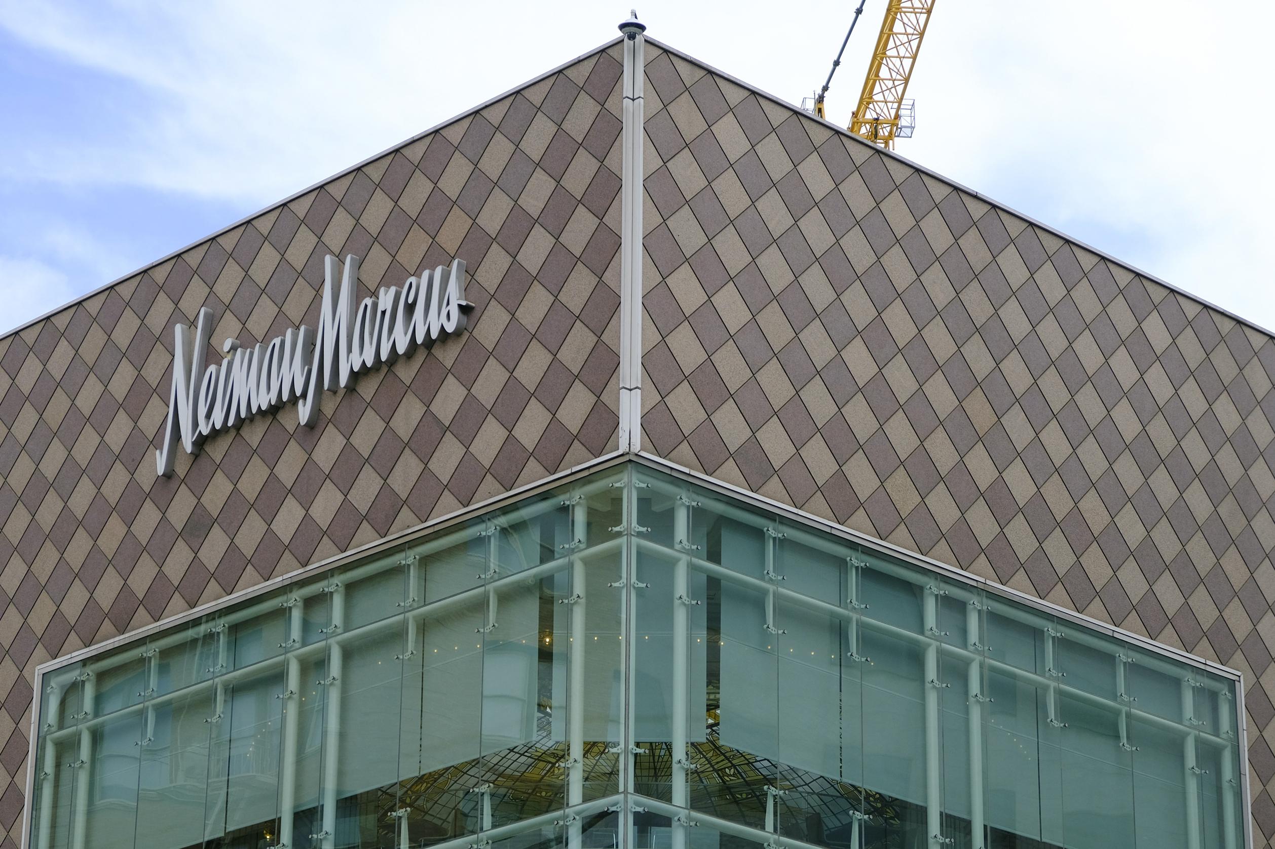 Neiman Marcus Becomes 2nd Major Retailer To Seek Chapter 11 Wpri Com